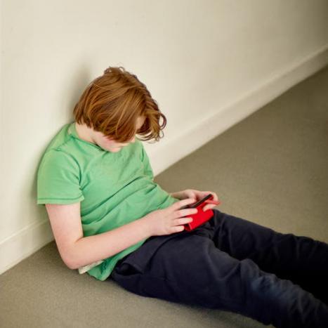 Adolescentes cuyos padres dan mal ejemplo