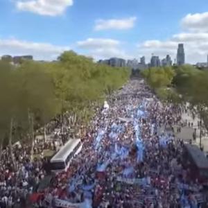 Miles Marchan Por la Vida y Contra el Aborto en Argentina