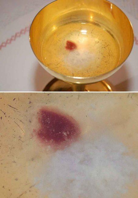 La hostia que se debía disolver comenzó a sudar sangre y formar carne con apariencia humana